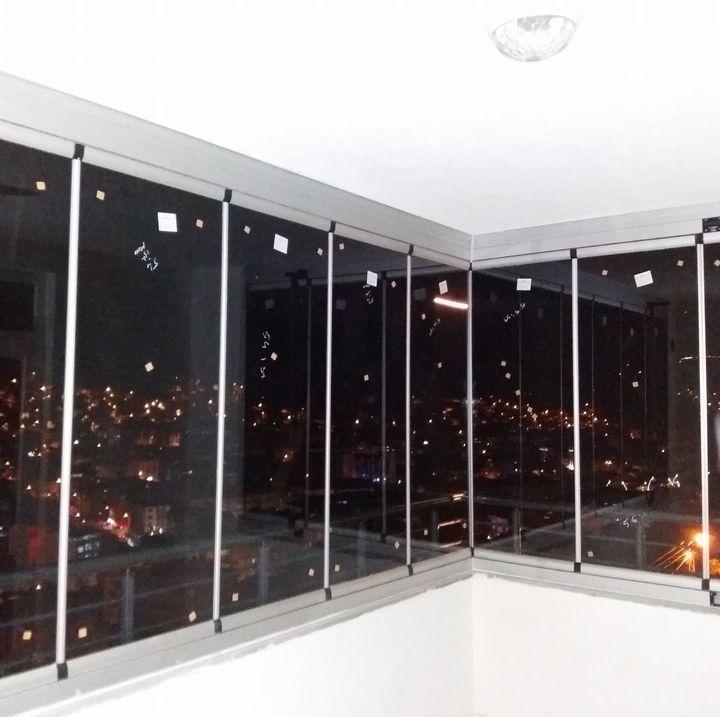 Sincan köşeli cam balkon
